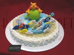 FLYING WINNIE THE POOH CAKE-by #RedCarpetCakeDesign®