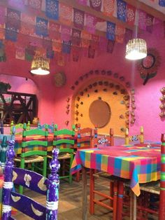 Home Decorating Sewing Projects Mexican Restaurant Design, Mexican Bar, Bar Mexicano, Restaurant Design Concepts, Juice Bar Interior, Pink Taco, Spanish Interior, Mexican Home Decor, Dark Interiors