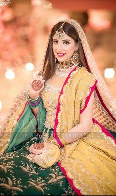 Pakistani Mehndi Dress, Asian Wedding Dress Pakistani, Bridal Mehndi Dresses, Pakistani Bridal Makeup, Pakistani Wedding Dresses, Bridal Wedding Dresses, Bridal Outfits, Bridal Style, Bridal Lehenga