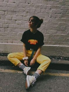 Problem child t-shirt and yellow jeans . Problem child t-shirt and yellow jeans – Fashion 90s, Old School Fashion, Tokyo Street Fashion, Fashion Outfits, Child Fashion, Fashion Styles, Fashion Trends, Womens Fashion, Different Styles Fashion