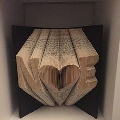 Book Folding Pattern - Heart + Free Instructions - Great for beginners Tips And Tricks, Book Folding Patterns Free Templates, Old Book Crafts, Heart Outline, Folded Book Art, Easy, Etsy App, Nardo, Love Heart