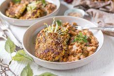 Zucchini-Puffer mit Rahmpfifferlingen Pasta Carbonara, Veggie Recipes, Healthy Recipes, Veggie Food, A Food, Food And Drink, Zucchini Puffer, Veggies, Pizza