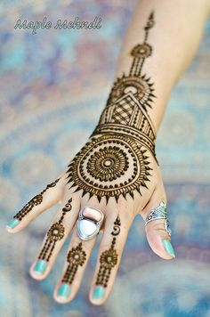 Browse the latest Mehndi Designs Ideas and images for brides online on HappyShappy! We have huge collection of Mehandi Designs for hands and legs, find and save your favorite Mehendi Design images. Mehndi Tattoo, Henna Tattoo Designs, Henna Mehndi, Arm Tattoo, Arte Mehndi, Henna Tatoos, Mehndi Art, Henna Mandala, Easy Mehndi