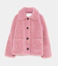 These are the items that we keep spotting all over London, from Zara, Mango, Topshop and more. Coats For Women, Jackets For Women, Clothes For Women, Patagonia Vest Outfit, Mode Rose, Winter Outfits For Girls, Winter Stil, Langer Mantel, Moda Vintage