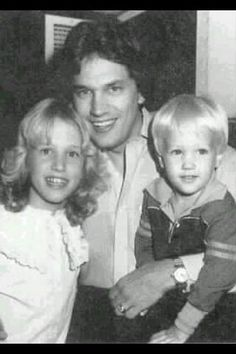 George Strait with his two kids, Jenifer and Bubba