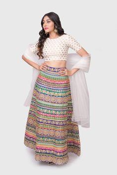 My Favorite Women Fashion Styles Indian Skirt, Dress Indian Style, Indian Dresses, Indian Wear, Choli Designs, Lehenga Designs, Indian Wedding Outfits, Indian Outfits, Beautiful Pakistani Dresses