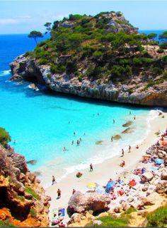 Calo des Moro Beach, Spain http://www.actuweek.com/go/amazon-espagne.php