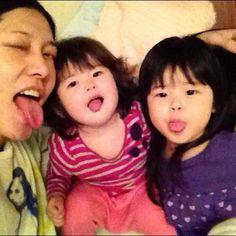 Miyavi and his cute daughters