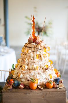 This stunning pavlova wedding cake was created by the talented team over at www.eatme-drinkme.co.uk.