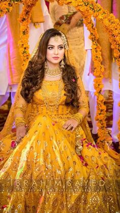 Mehndi Dress For Groom, Pakistani Mehndi Dress, Pakistani Dresses Casual, Indian Bridal Lehenga, Pakistani Bridal Wear, Pakistani Wedding Dresses, Pakistani Dress Design, Latest Bridal Dresses, Bridal Mehndi Dresses