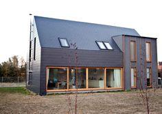 Descubra fotos de Casas modernas por Majchrzak Pracownia Projektowa. Veja fotos com as melhores ideias e inspirações para criar uma casa perfeita.