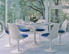Buy the Saarinen Tulip Round Dining Table by Knoll from our designer Tables collection at Chaplins - Showcasing the very best in modern design. Eero Saarinen, Saarinen Table, Tulip Dining Table, Table And Chairs, Side Chairs, Dining Chairs, Dining Room, Dining Corner, Easy Chairs