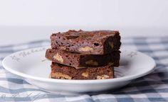 Brownierecept zoals van de Bijenkorf! Veel chocolade en pecannoten, weinig bloem: hemels!!!