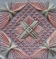 с бисером Mill Hill Bargello Needlepoint, Needlepoint Stitches, Needlepoint Kits, Needlework, Hardanger Embroidery, Embroidery Stitches, Embroidery Patterns, Hand Work Embroidery, Ribbon Embroidery