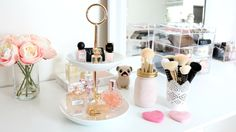 Makeup storage ideas, Pretty perfume display, Makeup brush storage