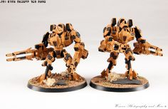 """With Phased Ion Guns. This is a """"Forge World"""" kit, assembled, flocked, painted, and photographed by me. 40k Armies, Combat Suit, Tau Empire, Warhammer 40k, Flocking, Action Figures, Robots, Gadget, Statues"""