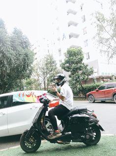 New Vespa, Vespa 150, Vespa Lambretta, Vespa Scooters, Retro Motorcycle, Motorcycle Style, Custom Harleys, Custom Bikes, Scrambler Custom