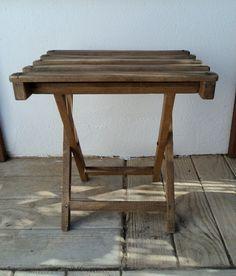 Mini mesa de madera plegable. Vintage Luniqueblog.com