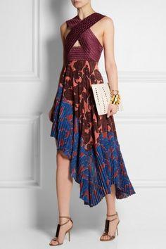Stella McCartney - Caroline asymmetric printed silk and crepe dress from NET-A-PORTER. Stella Mccartney, Dance Outfits, Dance Dresses, Dress Skirt, Dress Up, Salsa Dress, Tango Dress, Good Looking Women, Crepe Dress