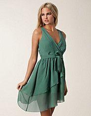 Kate Dress - Dry Lake - Ljus grön - Festklänningar - Kläder - NELLY.COM