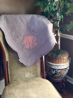 Monogrammed Throw Quilt - Anniversary Gift, Personalized, birthday, mom, Christmas, graduation by DesignsbyDaffy on Etsy