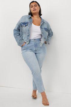 Denim Claro, White Dress Outfit, Plus Size Inspiration, Activewear Sets, Buy Jeans, Scarf Top, Old Dresses, Linen Blazer, Light Denim