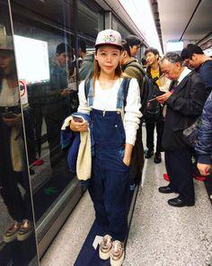 nice meeting the lovely @lifestylelmy   trend: 90's hip hop   #trendy4tmrw #fashion #fashionblogger #styleblogger #streetstyle #hongkong #hongkongfashion #hongkongstyle