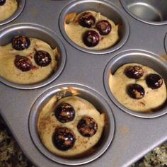 """️PANCAKE BITES:: good for 6 months and up:: makes 6-8 mini or 3-4 regular, depending on size of banana and egg, and also type of flour 1 banana, 1 pitted Medjool date, 1 egg, 1/4 cup milk (I used coconut), 1/4 cup flour (I used coconut), blueberries, cinnamon (optional) (1)Preheat oven to 350F. (2)Blend everything but the blueberries and cinnamon. (3)Pour the mix into a muffin tin. (4)Bake for 12-15 min."