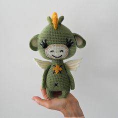 Dragon Crochet Pattern Crochet Dragon Am - Diy Crafts Amigurumi Patterns, Amigurumi Doll, Crochet Patterns, Crochet Animals, Crochet Toys, Knitting Toys, Crochet Dragon, Dragon Pattern, Single Crochet Stitch