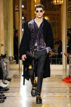 Versace | Menswear - Autumn 2018 | Look 55