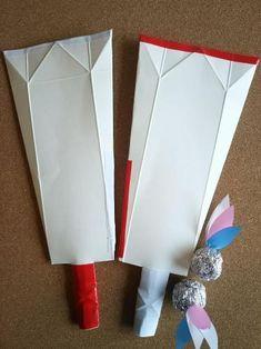 牛乳パックで作るのに、フニャフニャしない、しっかりした羽子板! 身近にあるものだけで作れるのがうれしい♪ お正月に作って遊んで楽しんじゃおう! New Year's Crafts, Diy Crafts For Kids, Arts And Crafts, Toys From Trash, Japanese Origami, Hobbies To Try, Paper Crafts Origami, New Years Decorations, Handmade Toys