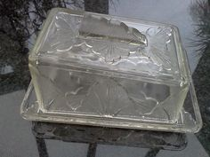 English Art Deco/Art Nouveau pressed glass cheese butter dish with cover and Handle