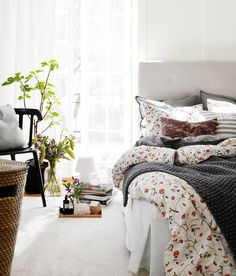 How to Create the Perfect Guest Room  : It is not too long till we are in the midst of the holiday season, and with that, as you know, brings with it an onslaught of visitors. Giving your house guests all the tools they need to be independent is the first step to everyone having a good time—at [...] - nousDECOR.