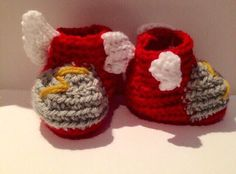Un favorito personal de mi tienda Etsy https://www.etsy.com/ie/listing/243831568/thor-boots-baby-shoes-crochet-and