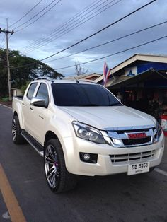 isuzu kk 15 Suv Trucks, Pickup Trucks, Isuzu D Max, 4x4 Off Road, Jeep Cars, Toyota Hilux, Custom Trucks, Cars And Motorcycles, Offroad