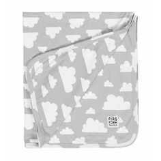 Grey cloud print jersey blanket by Farg&Form. The Moln cloud print is  an iconic graphic design by Gunilla Axen from 1967 * www.the-pippa-and-ike-show.com #fargform #cloudprint #greyclouds #bedding #baby #nursery #thepippaandikehsow #unisex