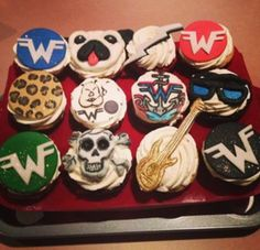 weezer AND cupcakes?!