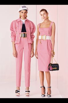 Versace Resort 2019 Fashion Show Collection: See the complete Versace Resort 2019 collection. Look 9