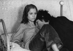 """3. Muriel Catalá e Francis Huster in """"Faustine et le bel été"""" (1972) di Nina Companeez (""""Collection Gérard Troussier"""" / Cinemagence, 1964-1994)"""