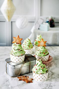 Piparimuffinit | K-ruoka #joulu Christmas Baking, Delicious Desserts, Xmas, Cupcakes, Holiday Decor, Winter, Recipes, Food, Winter Time