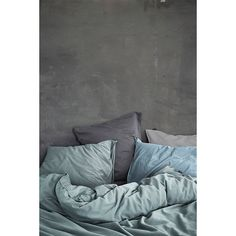 Stonewashed cotton soft en gently by Essenza Home! Soothing Colors, Wall Finishes, Blue Bedding, Kidsroom, My Room, Colorful Interiors, Colours, Guys, Vintage