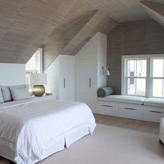 Contemproary bedroom design ideas | www.bocadolobo.com #bocadolobo #luxuryfurniture #exclusivedesign #interiodesign #designideas #furniture #furnitureideas #homefurniture #decor #homedecor #contemporary #bedroom #bed #masterbedroom