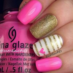 Pink nails with gold glitter nail polish - uñas color rosa esmalte china glaze ♛ Get Nails, Love Nails, Pink Nails, Pretty Nails, White Nails, Black Nail, Chevron Nails, Sparkle Nails, Fancy Nails