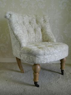 Vintage Floral Style Tub Chair