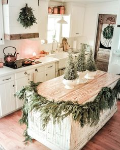No one does Christmas like home decor bloggers! Becky Cunningham Home has best farmhouse holiday decor inspiration! Plus an Antique Candle Works White Pine scented soy candle to bring evergreen branches to life in her #rustic kitchen! Modern #farmhouse in a Winter Wonderland! #Home #decor DIY ideas #Christmas
