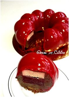 Desserts chocolate mousse, creamy vanilla and raspberry confit - gateau_et_cuisine - Rasberry Cake, Chocolate Raspberry Cake, Chocolate Delight, Chocolate Desserts, Fun Desserts, Impressive Desserts, Dessert Bars, Cakes And More, Amazing Cakes