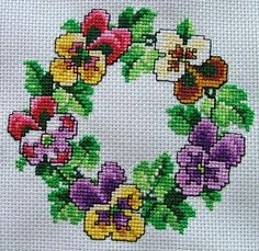 Advanced Embroidery Designs - Pansy Wreath