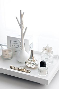 10 Seriously Chic Ways to Decorate Your Vanity