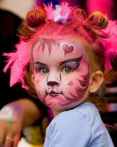 Face painting kitty or tiger