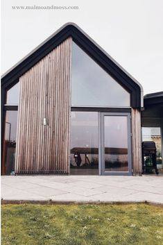 Wooden Cladding Exterior, House Cladding, Rustic Exterior, Timber Cladding, Grand Designs Uk, Grand Designs Houses, Contemporary Sheds, Contemporary Beach House, Minimalist Architecture